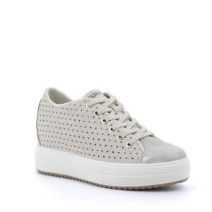 Sneaker alta con zeppa in pelle laminata beige e motivi traforati a stella \IGI&CO